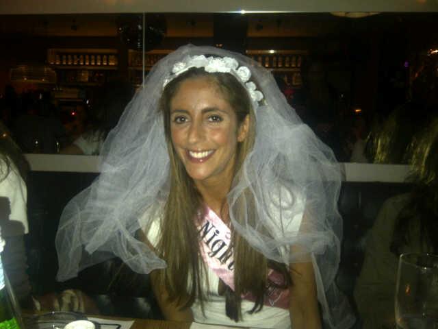Een knaagdiertje met bruidssluier!! Zo lief!! <3