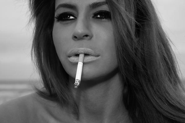 Roken is een dra-ma als je je bek niet meer kan bewegen.